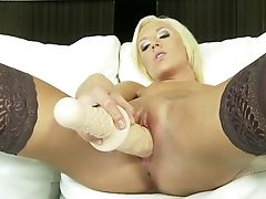 Blonde Honey Doll Maia Davis Has Some Time To Fumble Her Gash
