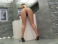 Bubble Butt Honey Debbie Milky Loves Arse Fingerblasting