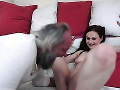 Dark-haired Tramp Gives Providing Oral Pleasure To Hot Fellow